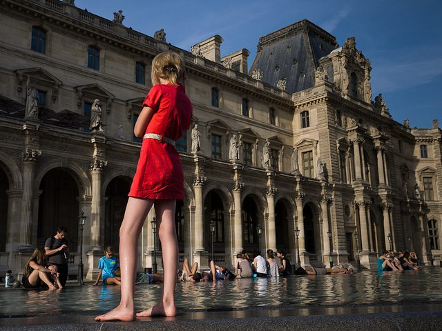louvre-fountain-girl